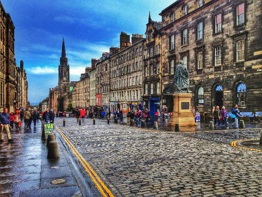 edinburgh_royal_mile.jpg